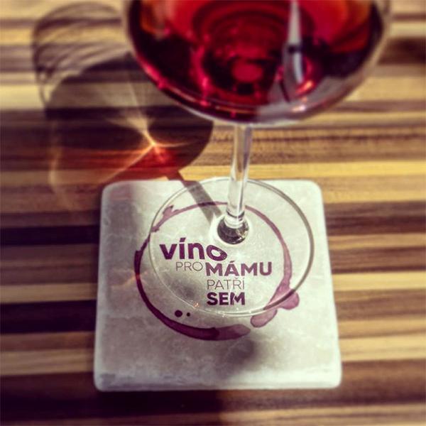 Víno pro mámu